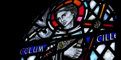 By Brian Gratwicke from DC, USA (St Columba Stained glass window) [CC BY 2.0 (http://creativecommons.org/licenses/by/2.0)], via Wikimedia Commons