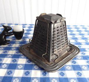 Toaster | Toast by Annie Dawid