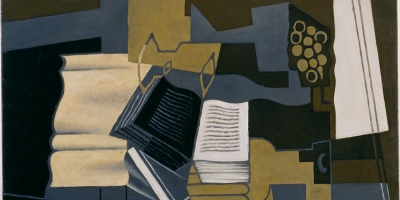 Courtesy https://www.wikiart.org/en/juan-gris/carafe-and-book-1920
